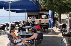 hotel Riviera kavárna